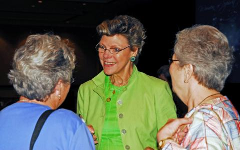 Cokie greeting LCWR members at the 2009 LCWR assembly in New Orleans